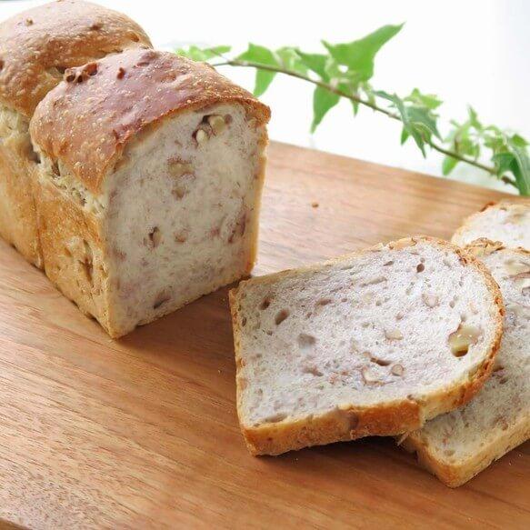 ナチュラルスイーツ&パンの店 cerneau くるみ山型食パン