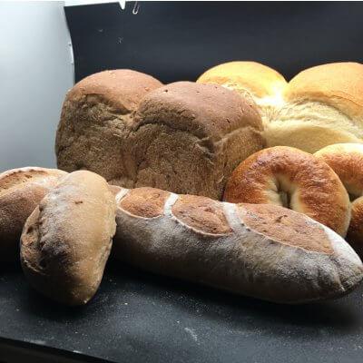 石窯パンの店緑と風のダーシェンカ