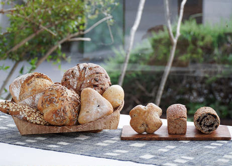 自家培養天然酵母とパンと焼き菓子のお店 ラパンノワールくろうさぎ