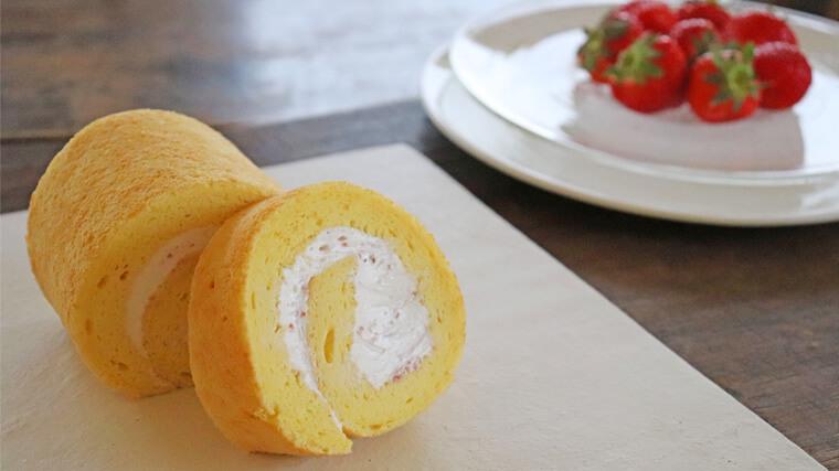 菓歩菓歩の伊藤農園さんの有機苺のロールケーキ