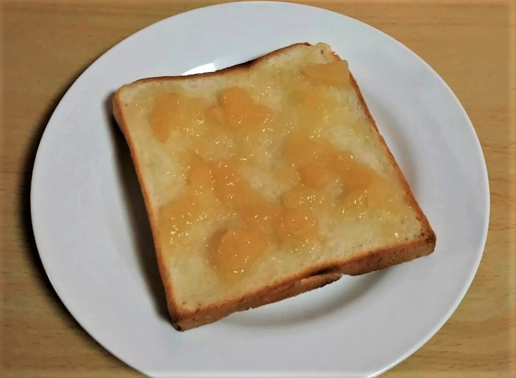 トーストとジャム